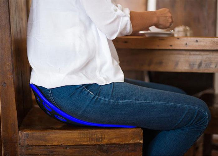 korekcja-siedzenia-przy-stole-dla-doroslych-backjoy-niebieski