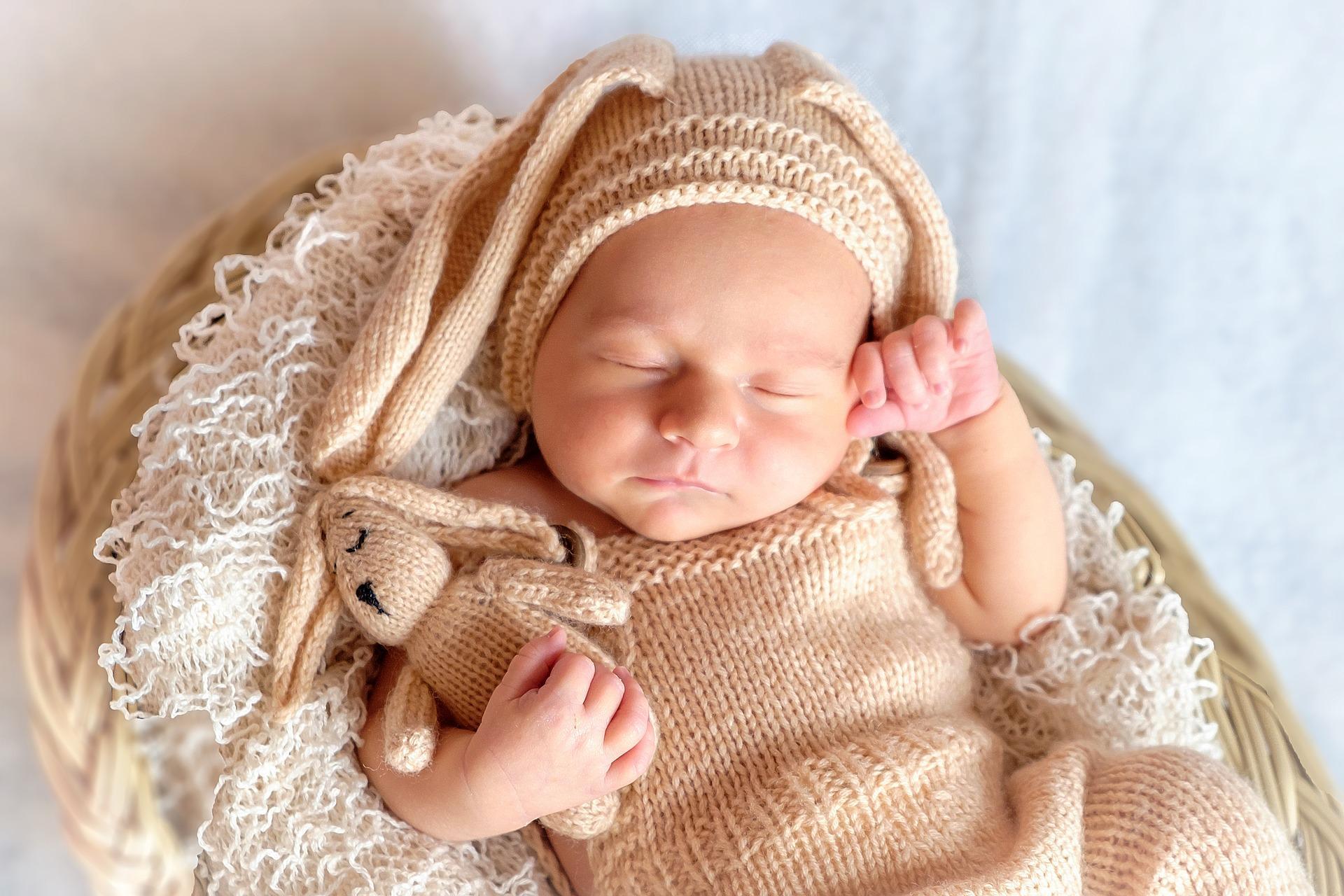 Mały człowiek potrzebuje wiele godzin snu w ciągu doby